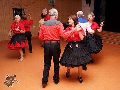 Tanz in einen Sommerabend beim Square Dance Club Black Cats Dachau